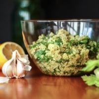 Ātrie, svaigie kvinojas salāti