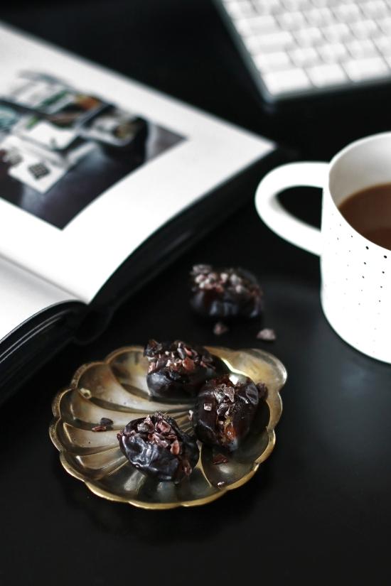 dates-and-kakao-nibs